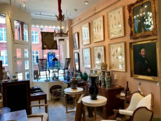 Top Ten Places for Antiques in London