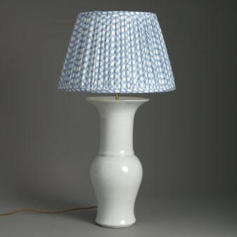 White Porcelain Sleeve Vase Lamp