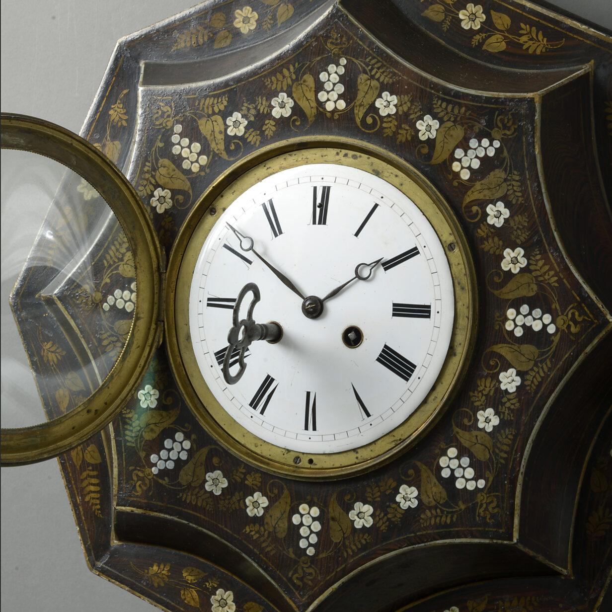 Empire Tole Cartel Clock