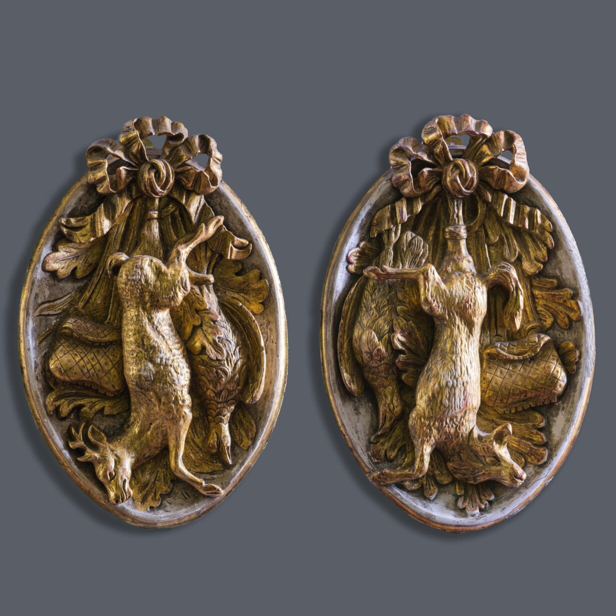 Pair Hunting Trophy Wall Plaques