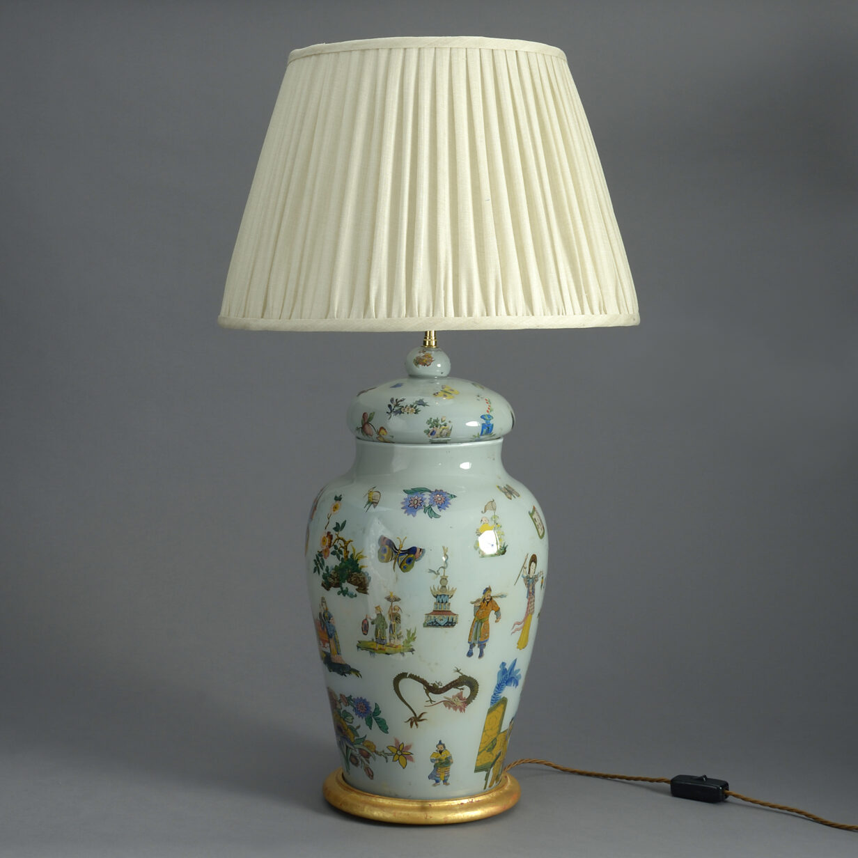Lidded Decalcomania Vase Lamp